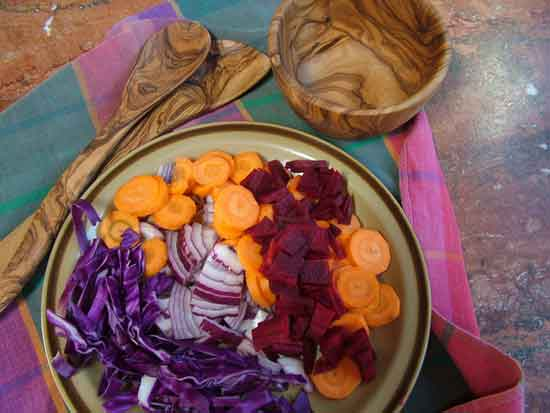 Low fat vegan diet: red cabbage, carrots, beets, onions